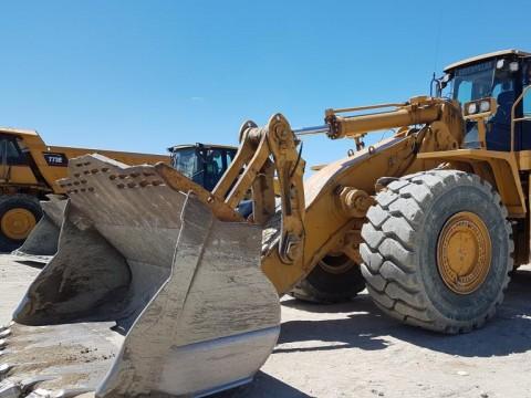 A la recherche de Caterpillar 988 H ? Parcourez toutes nos annonces de véhicules neufs ou d'occasion.